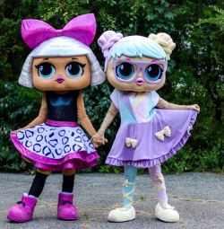 Production of life-size puppets, costumes for animators