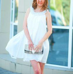 Брендовое платье Gianfranco Ferre,44-46разм