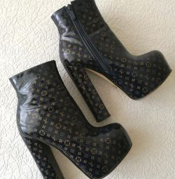 Louis Vuitton Ghete Boots
