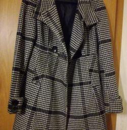 Пальто жіноче розмір s