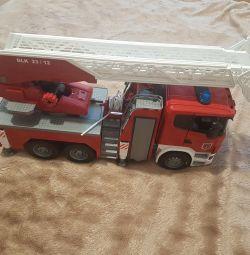 Camionul de pompieri