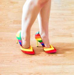 Нові туфлі 35