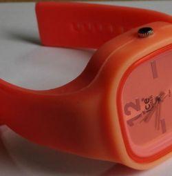 Часы женские наручные Ice Watch