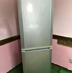 SAMSUNG No Frost refrigerator. Guarantee. Delivery
