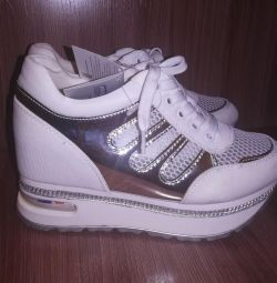 Women's Sport Shoes Russia, Irkutsk buy and sell new and used
