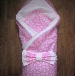 Конверт-одеяло на выписку новорожденной
