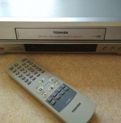 касетний відеомагнітофон
