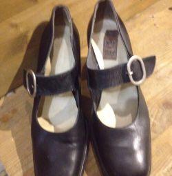 Женские туфли . 2 пары.