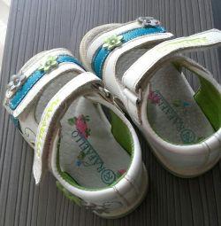 Sandale 19-20 mărime