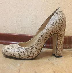 Жіночі туфлі mascotte