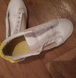 Spor ayakkabısı 39r.