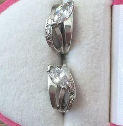 Silver earrings with cubic Zirkonia