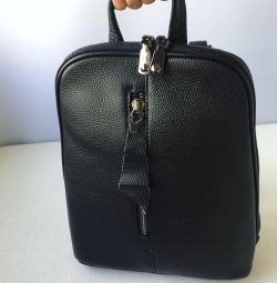 Новий чeрний плоский рюкзак натуральна шкіра