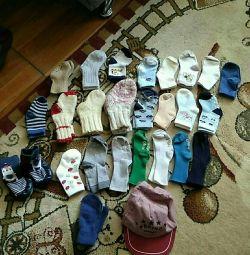 Носки, кепка и варежки на мальчика