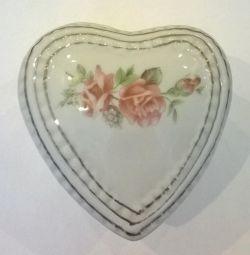 Керамическая шкатулка в виде сердца