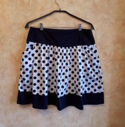 Skirt with polka dots