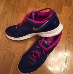 New Sneakers NIKE 41 size