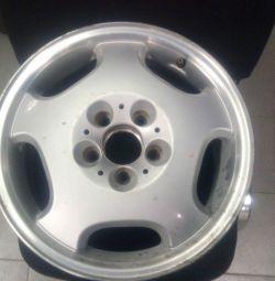 Drive r16 Mercedes for repair