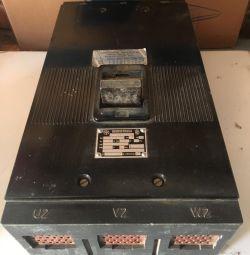 Circuit breaker J2UX50L 630A, 500V