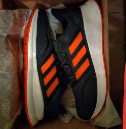 Нові кросівки Adidas (оригінал) рр40-44