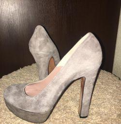Νέα παπούτσια Suede