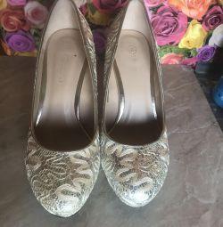 AOL shoes