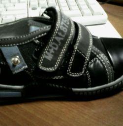 Pantofi noi p.30