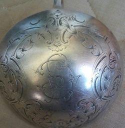 Lingură de argint
