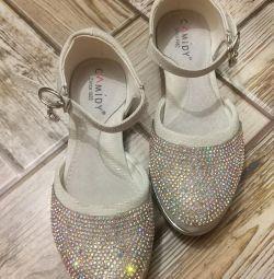 Παπούτσια σε στρας