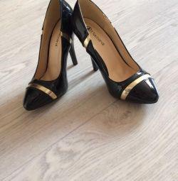 Παπούτσια νέα