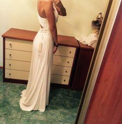 Vanzarea / inchirierea unei rochii