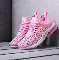 Nike Air Presto (sizes 36-40)