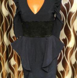 Новое платье с гипюром 42