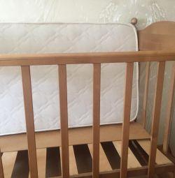 Детская кровать+ ортопедически матрас