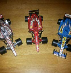 Mașini de curse.