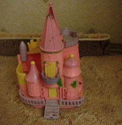 Раздвижной мини-замок для вашей малышки)))