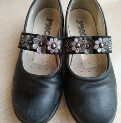 Σχολικά παπούτσια 2 ζεύγη