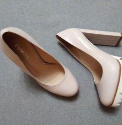 Zumita pantofi