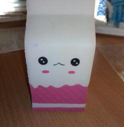 Игрушка -антистресс сквиши,пакет молока