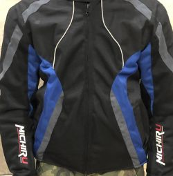 Moto jacket with protective bets