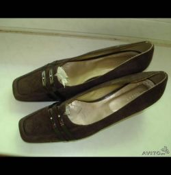 Pantofi de piele maro TOFFY. novye.r.40-41