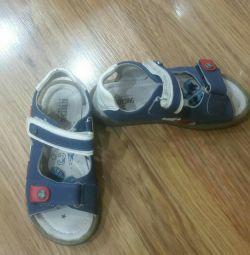 sandală