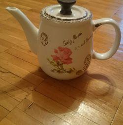 Teapot porcelain teapot