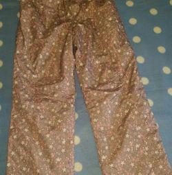 Pantaloni calzi pe un fleece subtire. Dimensiune 140cm.