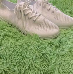 Spor ayakkabı yeni Ке