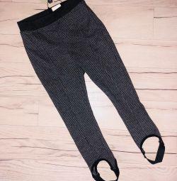 Pantaloni Zara pentru o fata de 4-5 ani