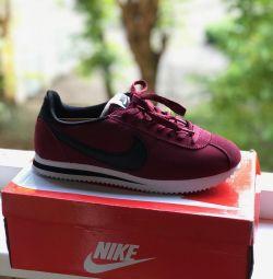 Adidași pentru bărbați Nike Cortez