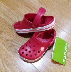 Crocs original crimson