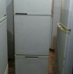 Продам японский холодильник