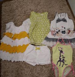 Καλοκαιρινή συσκευασία ρούχων για ένα κορίτσι